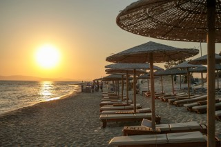 location nikos maria beach