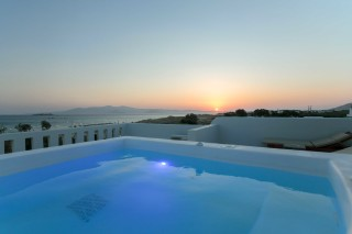 nikos maria sea view apartments in naxos